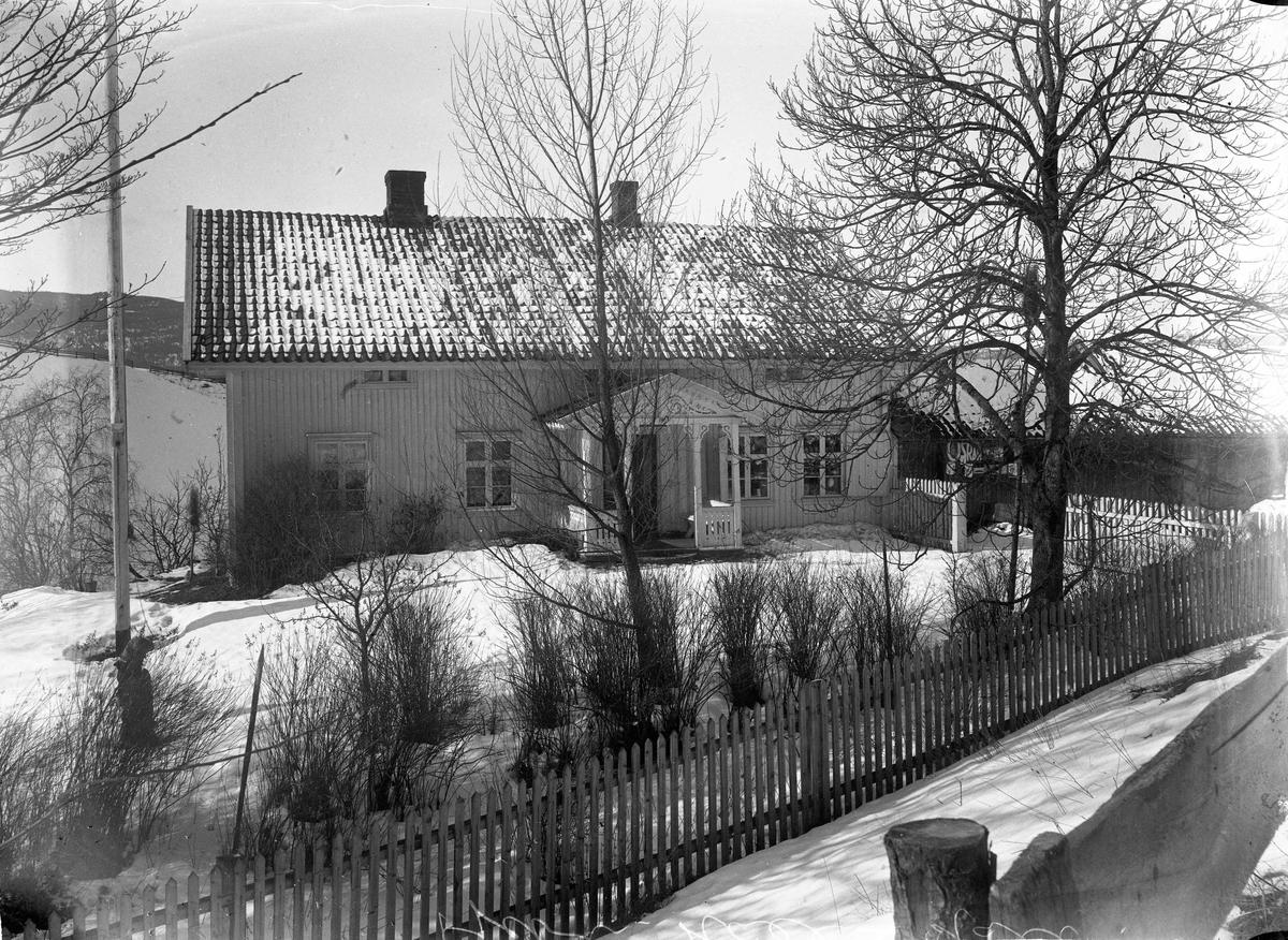 Kjøpmann O Hoel, Holt