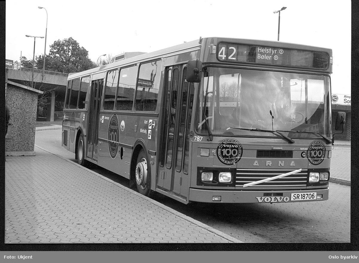 Oslo Sporveiers buss 757 VBK/Volvo, Helsfyr