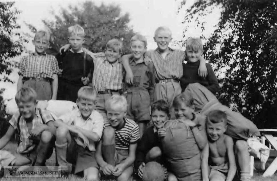 """""""Campingtur i overlege boligen's have 1949"""""""