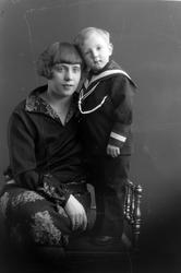 Emma Wilhelmine Herberth med sønnen Robert