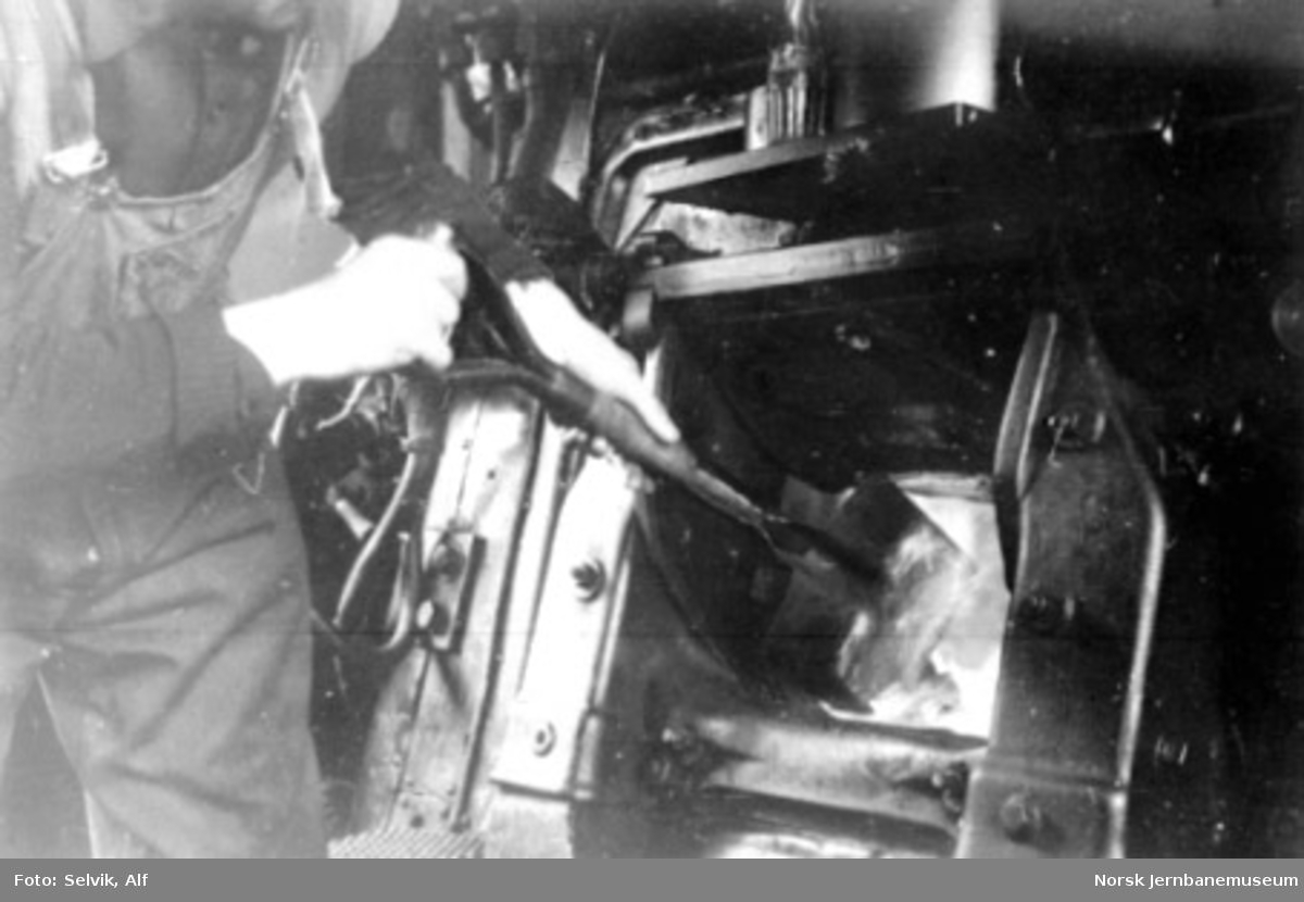 "Fra førerhytta i damplokomotiv type 63, ""stortyskere"""