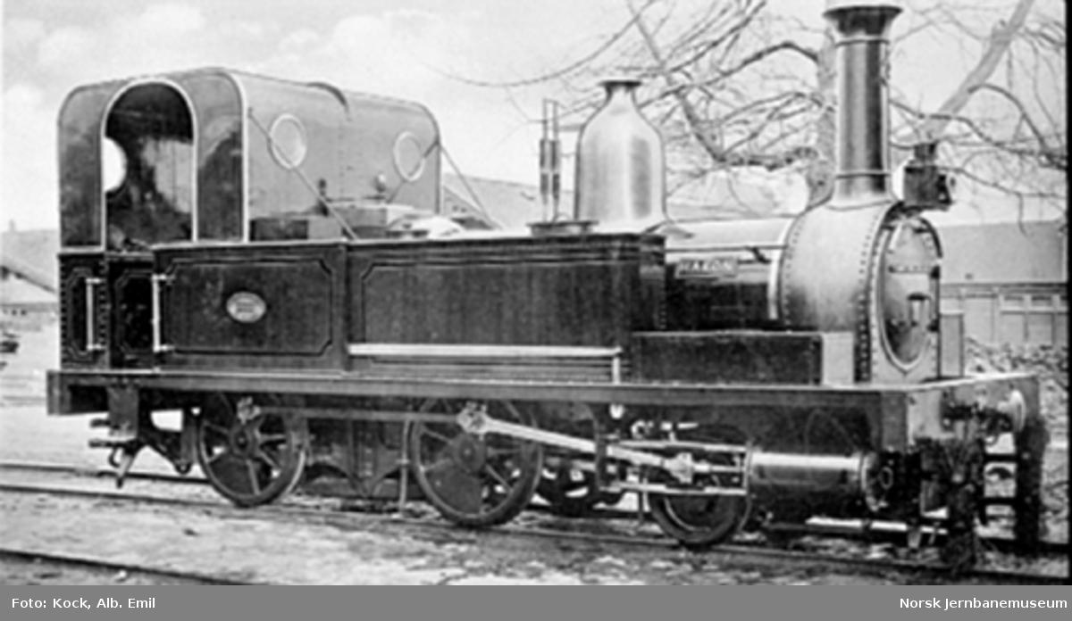 """Damplokomotiv type II nr. 3 """"Hakon"""" etter ombygging bl.a. med lukket førerhus"""