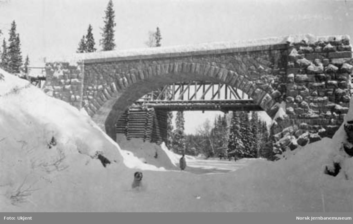 Rauhylla bru på Nordlandsbanen under bygging