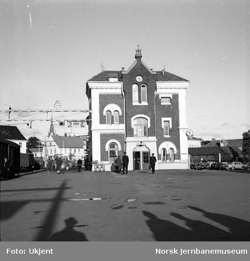 Kristiansand stasjonsbygning
