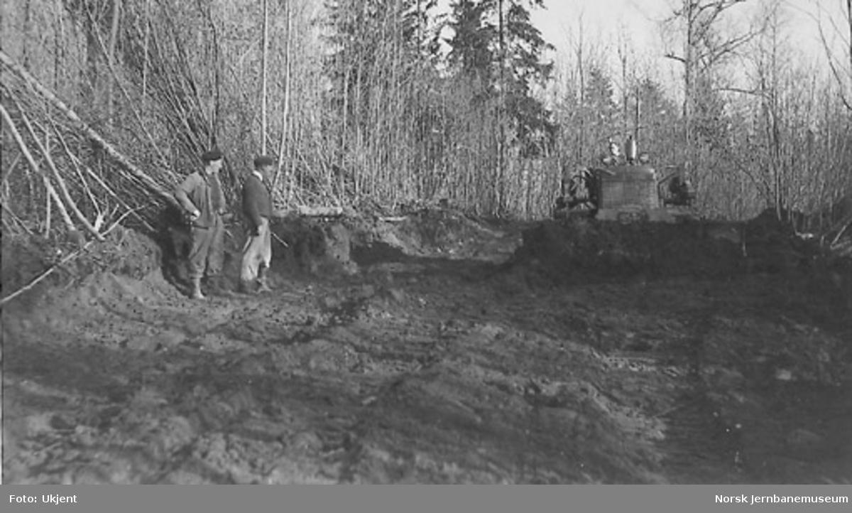 Bulldozer i arbeid på dobbeltsporanlegget Sandvika-Asker