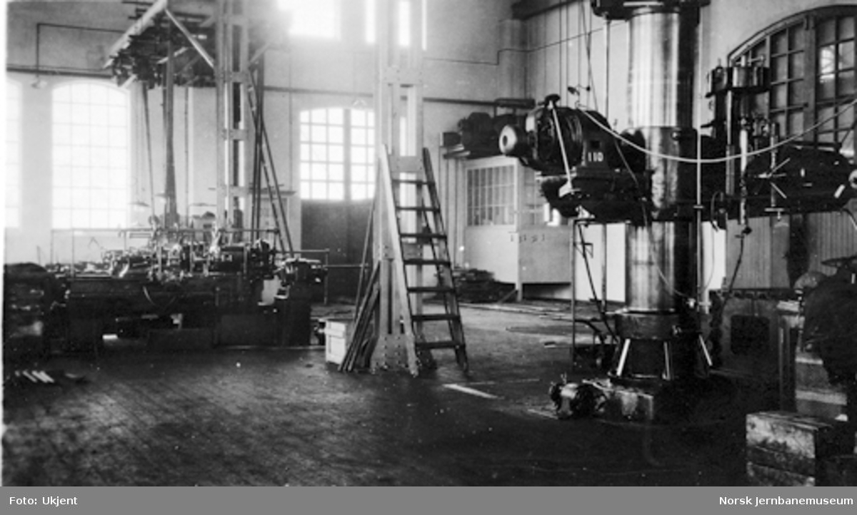 Kjelsmien Verkstedet Sundland : arbeidsmaskiner