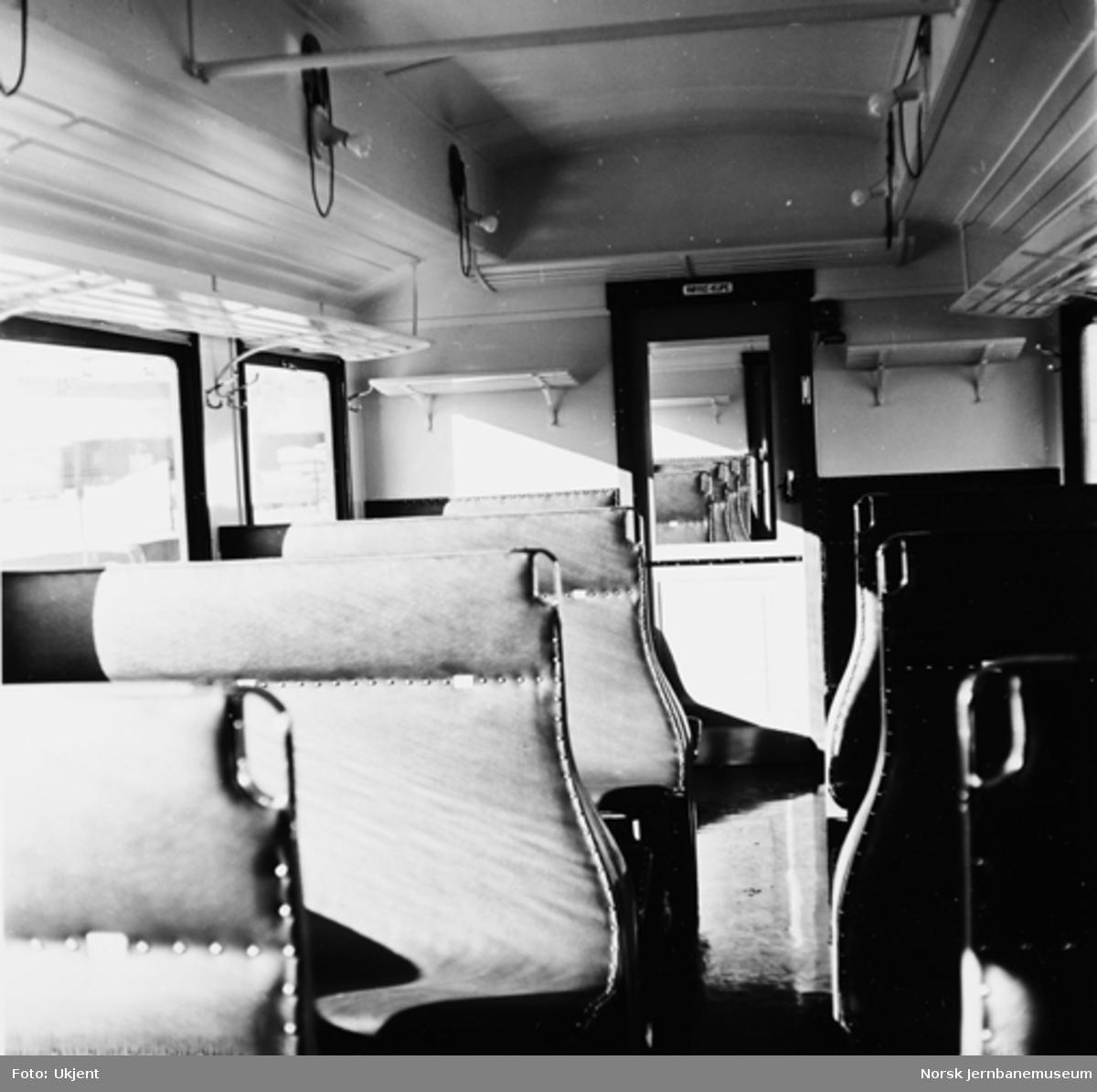 Interiør fra smalsporet personvogn