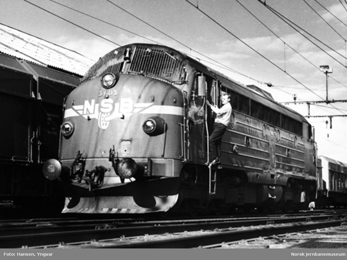 Diesellokomotiv Di 3 603