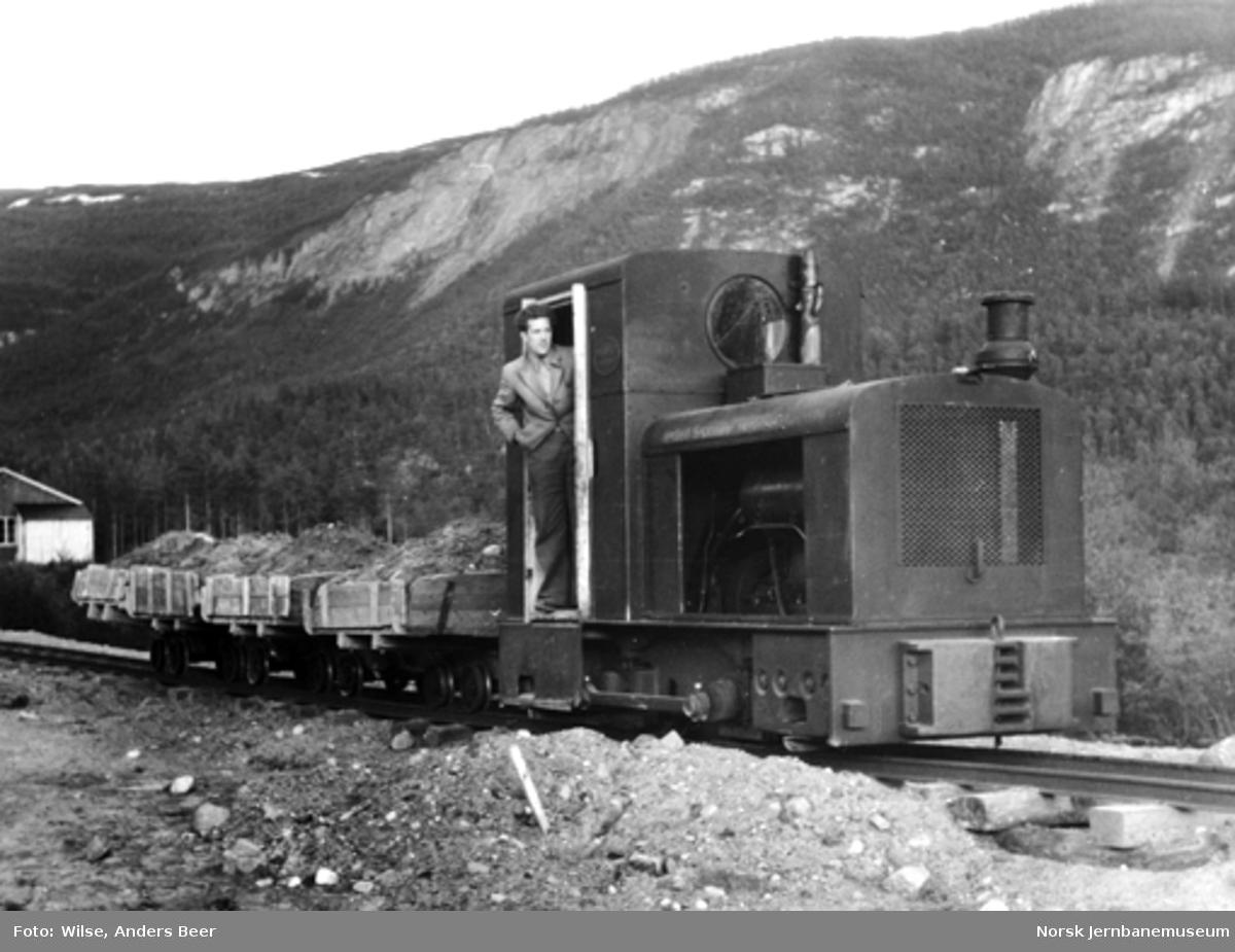 Anleggstog med steinmasser på Nordlandsbaneanlegget