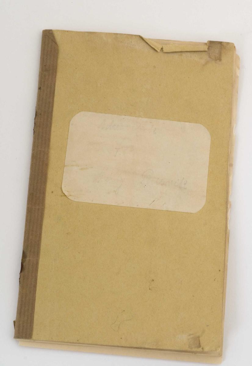 Minnebok fra 1931 med håndskrevne hilsner