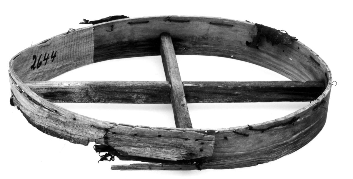 Del av samisk runebomme. Velfjord 1969.