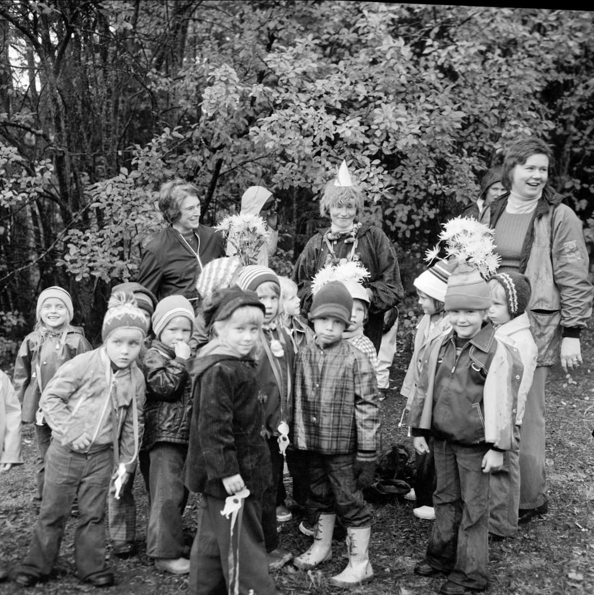 """""""Lyckat mulleslut i Tierp"""", Uppland oktober 1973"""