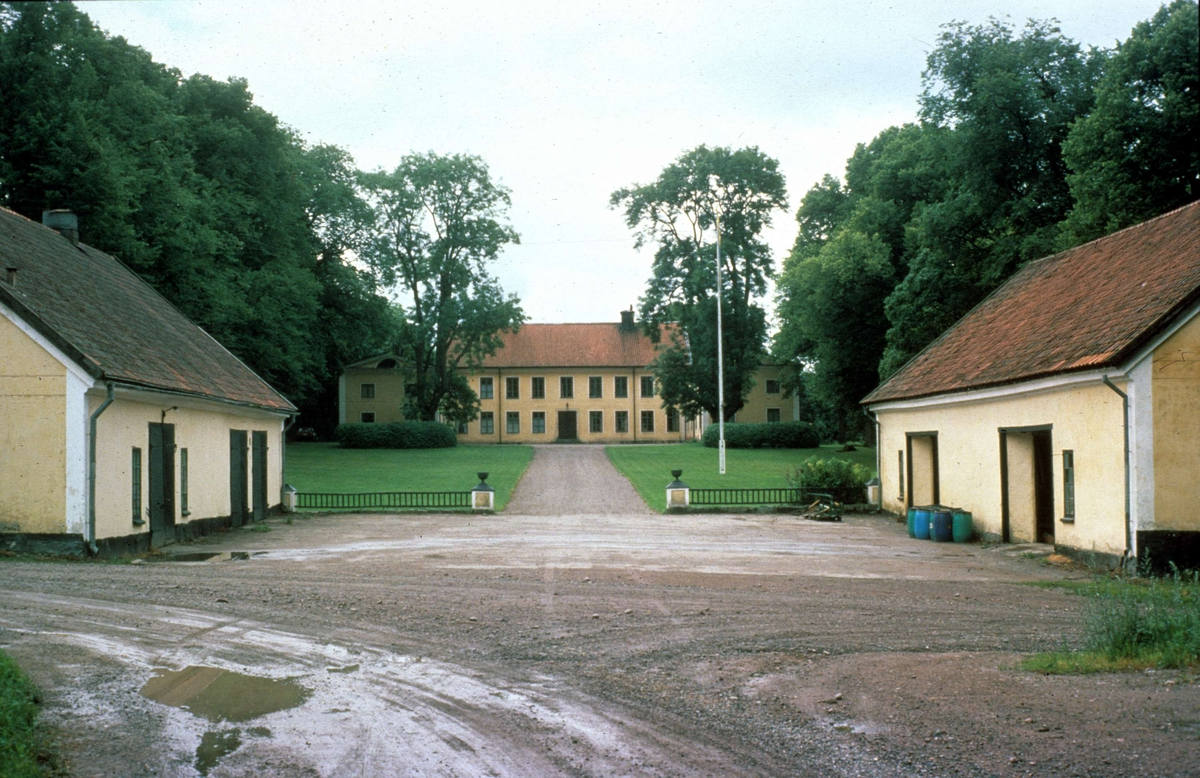 Bostadshus, Frtuna grd, Rasbo socken, Uppland 1982