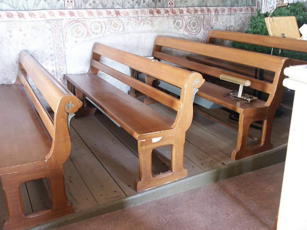 Kyrkbänkar i Tolfta kyrka, Tolfta socken, Uppland  2007