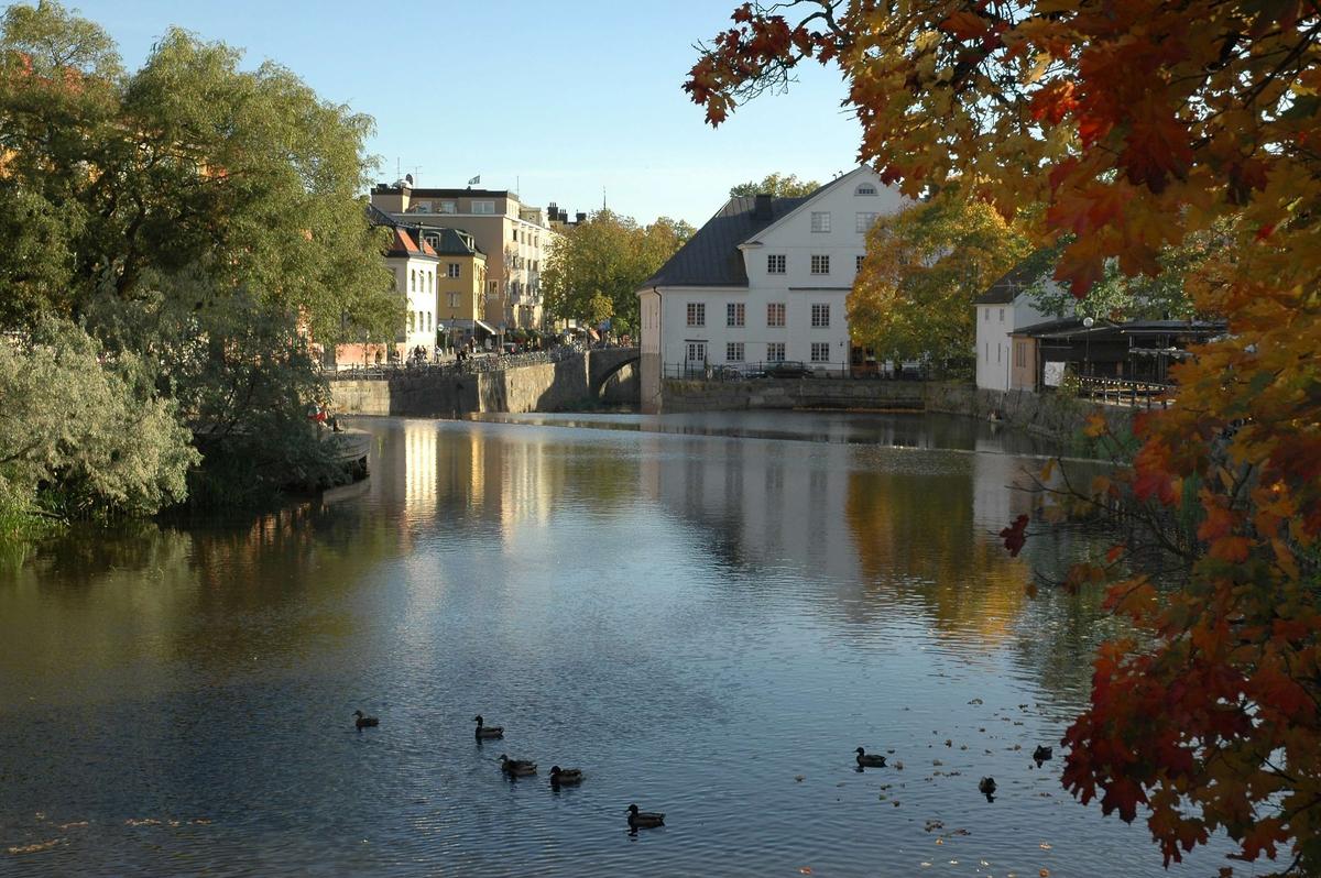Fyrisån och Akademikvarnen från väster, Uppsala 2005