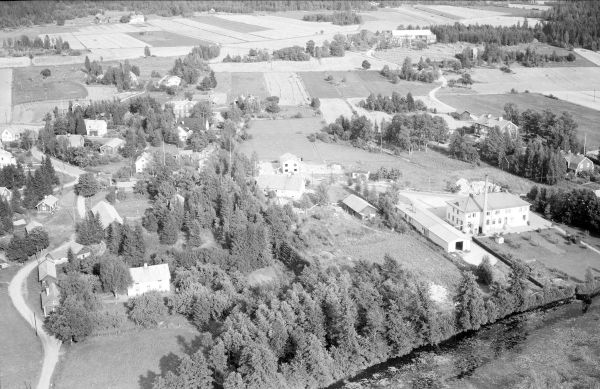 Flygfoto över Skärplinge, Österlövsta socken, Uppland 1955