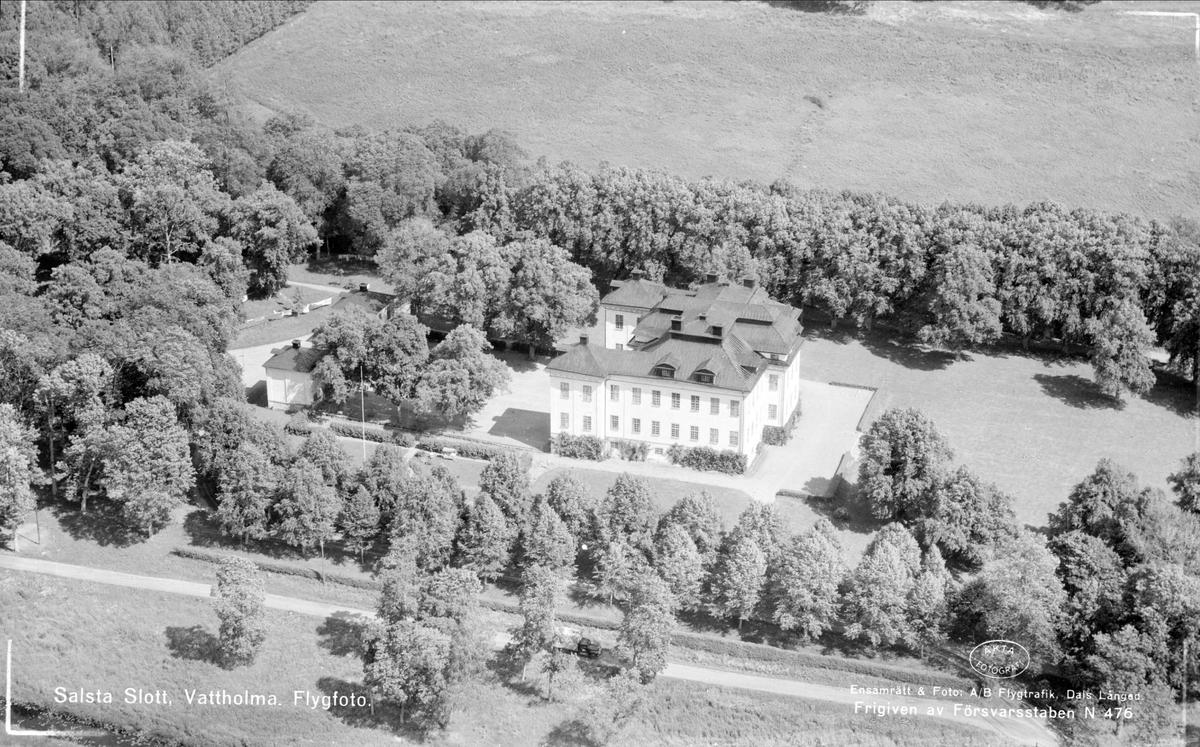Flygfoto över Salsta slott, Lena socken, Uppland 1952