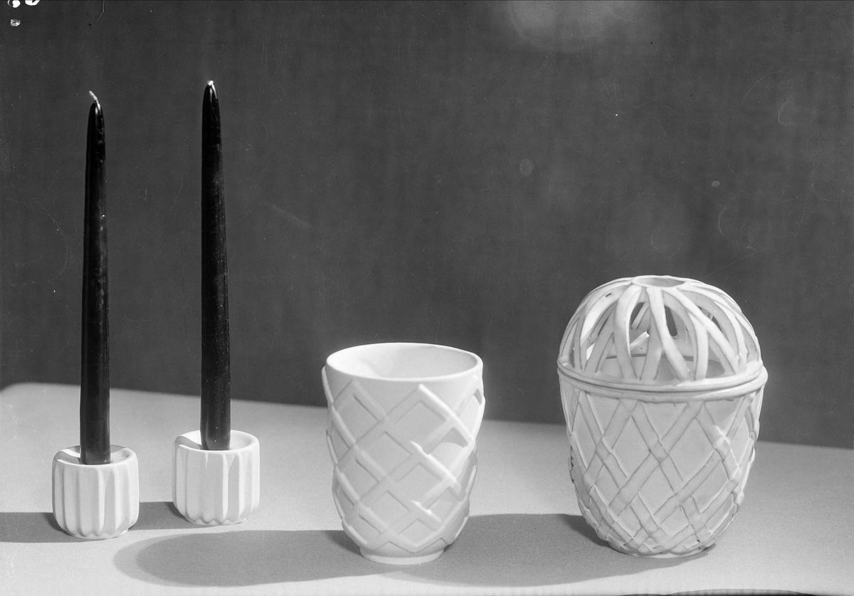 Vaser och ljusstakar i keramik från Upsala-Ekeby AB, Uppsala