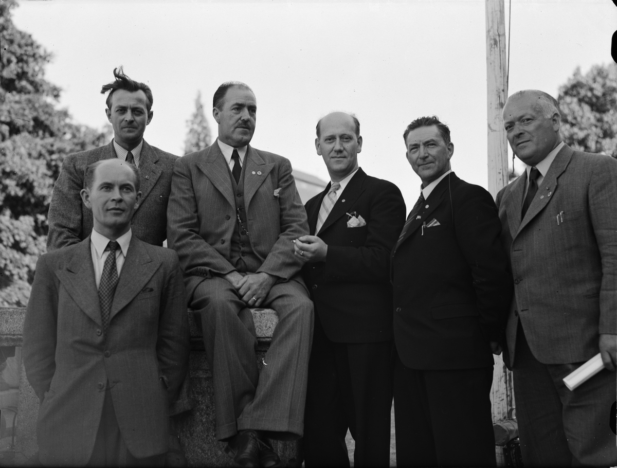 Grupporträtt - män, sannolikt i Uppsala, juli 1946