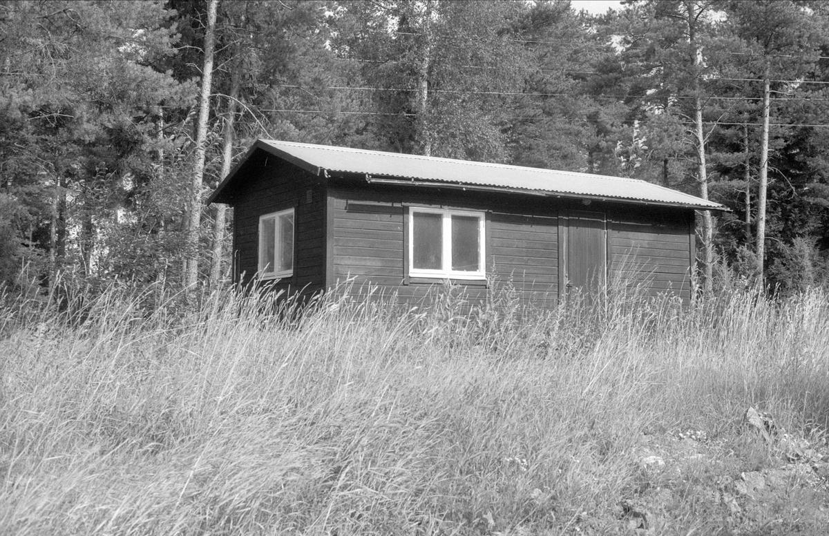 Barack, Ekebyboda 1:2-1:3, Börje socken, Uppland 1983
