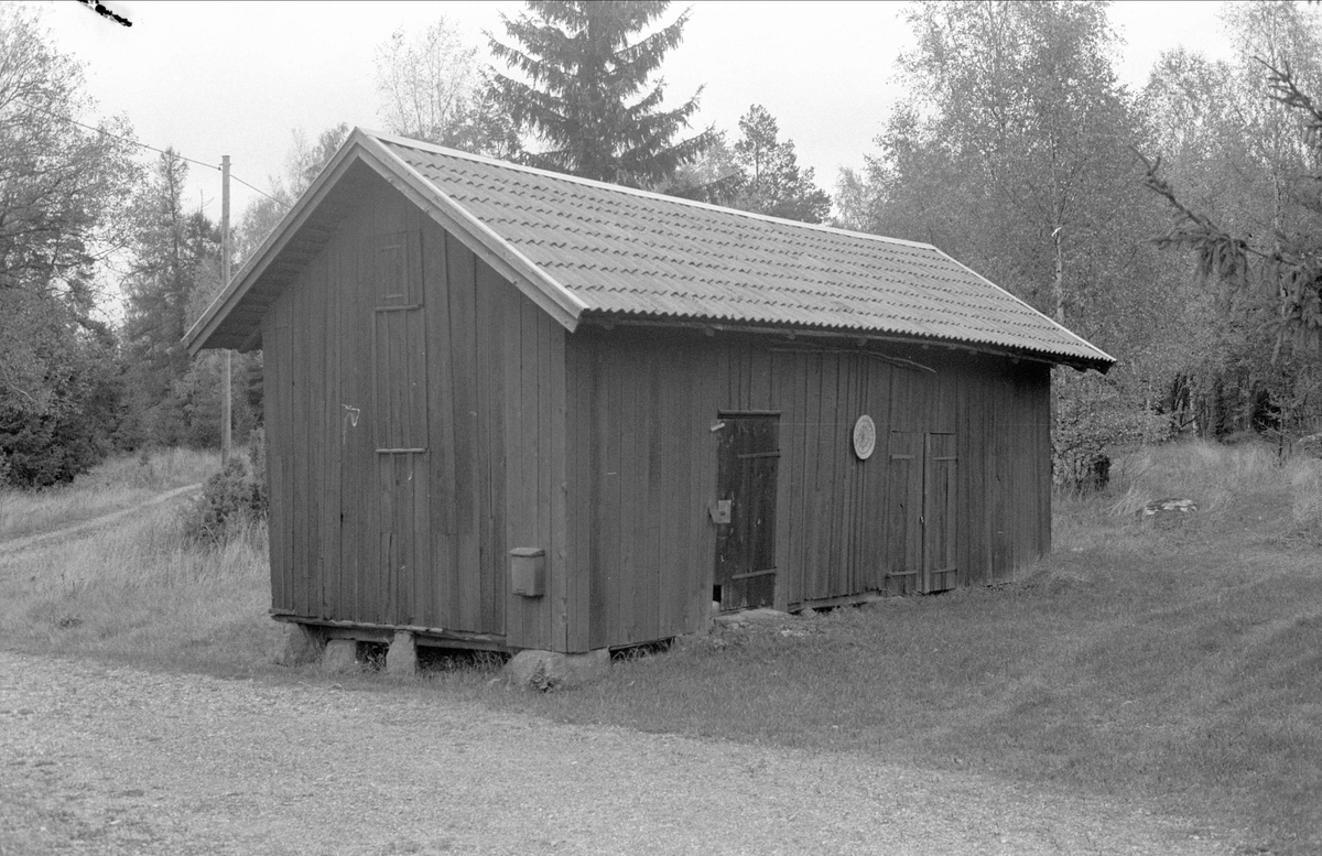 Uthus, Källvreten, Bälinge socken, Uppland 1983