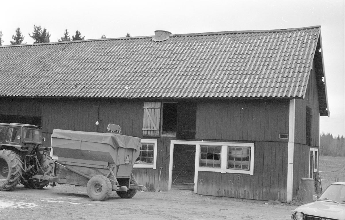 Ladugård, Nydal, Hagby-Forsa 2:5, Hagby socken, Uppland 1985