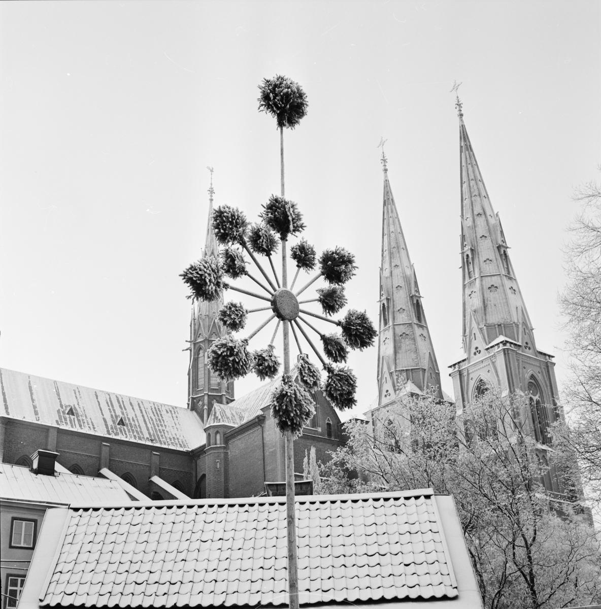 Uppsala Domkyrka i vinterskrud, Uppsala
