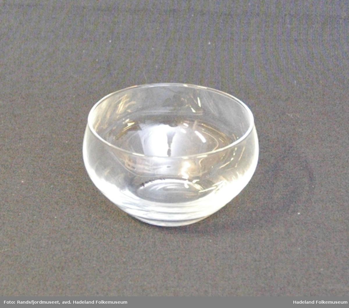 Form: Liten, rund