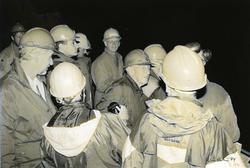Kulturminnedagen 1994. Guiding i gruvene på Nyseter.