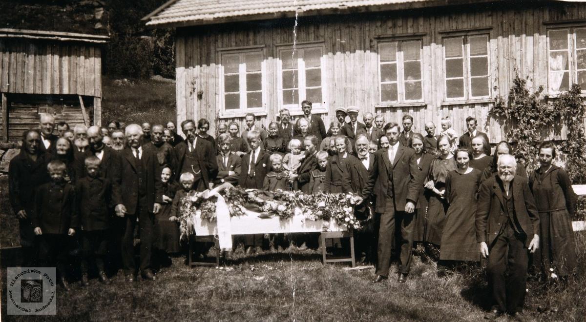 Begravelse til Isak Barstad, Konsmo.