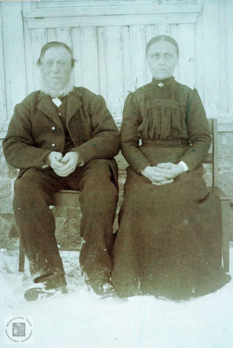 Portrett av ekteparet Bjøruf og Anna Hårtveit. Grindheim Audnedal.