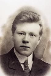 Portrett av John Hellevand. Konsmo.