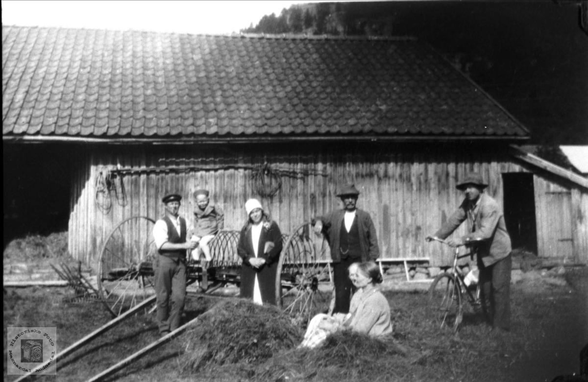 """""""Der nede"""" Øvre Homme, Bjelland."""
