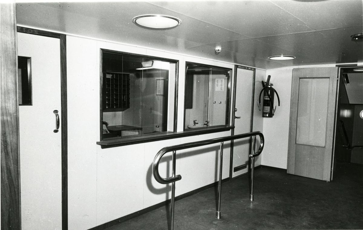 Billettkontor / resepsjon, M/S Lofoten.