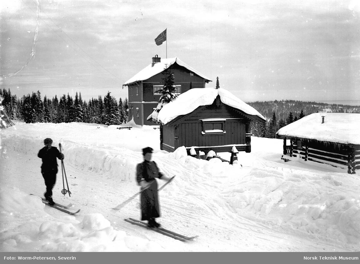 Vinterbilde, skigåere ukjent sted