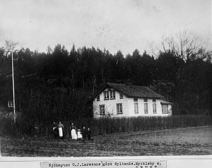 """""""Sjökapten O. J. Larssons gård Syltenäs. Myckleby socken, Orust"""""""