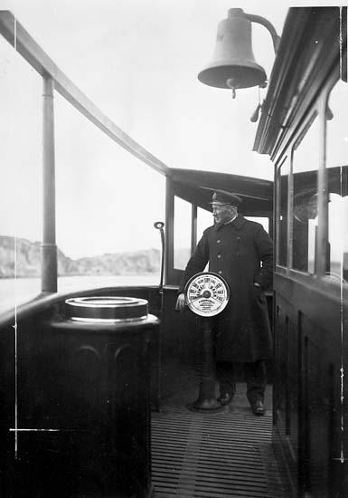 Kapten C. J. Johansson på ångaren BOHUSLÄN