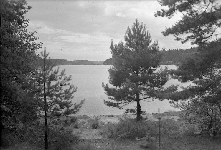 """Enligt AB Flygtrafik Bengtsfors: """"Bullaren Klageröd sjön Bohuslän""""."""