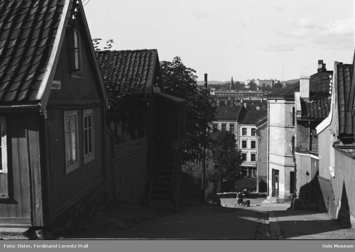 gateløp, trehusbebyggelse, bygårder, utsikt