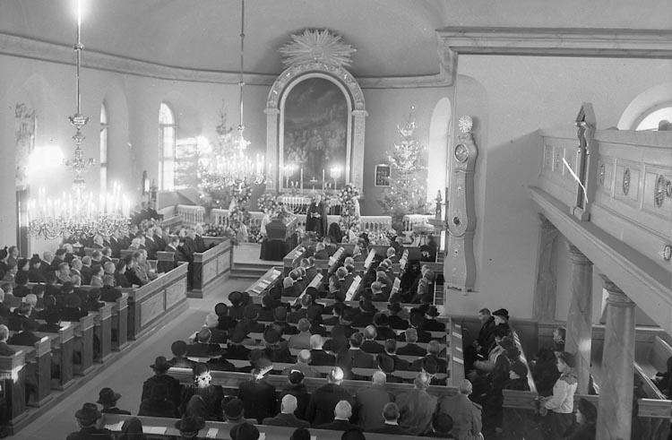 """Enligt notering: """"Carl Agnes. Begravning 27/12 1947. """"."""
