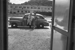 """Enligt notering: """"Bohusläningens Tidningsbil 30/5 1949""""."""