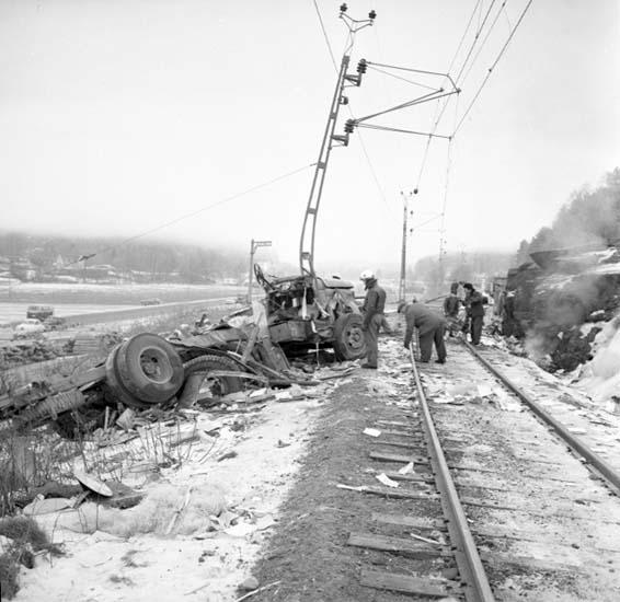 """Enligt notering: """"Tåg - Lastbil d 2/2 -59""""."""
