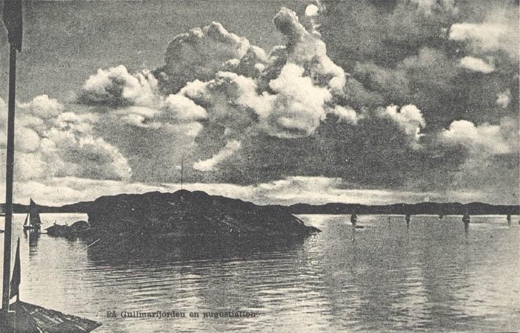 """Tryckt text på kortet: """"På Gullmarfjorden en augustiafton."""""""