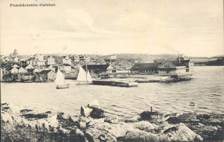 """Tryckt text på kortet: """"Fiskebäckskils Hafsbad."""""""