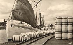 LL328 MERSEY lastar silltunnor i Uddevalla