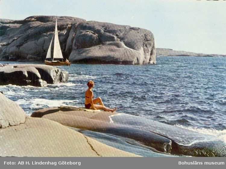 """Tryckt text på kortet: """"Bohuslän. Saltstänkta klippor."""""""