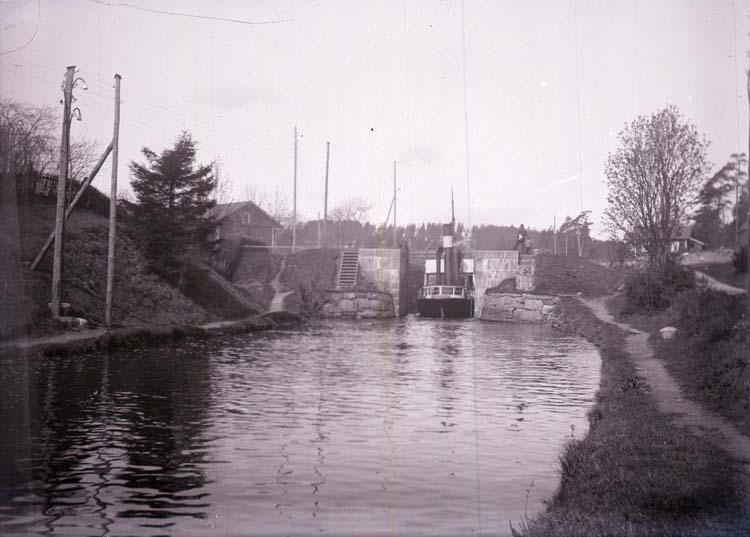 """Enligt text som medföljde bilden: """"Slussen vid Billingsfors 16/5 1903."""""""