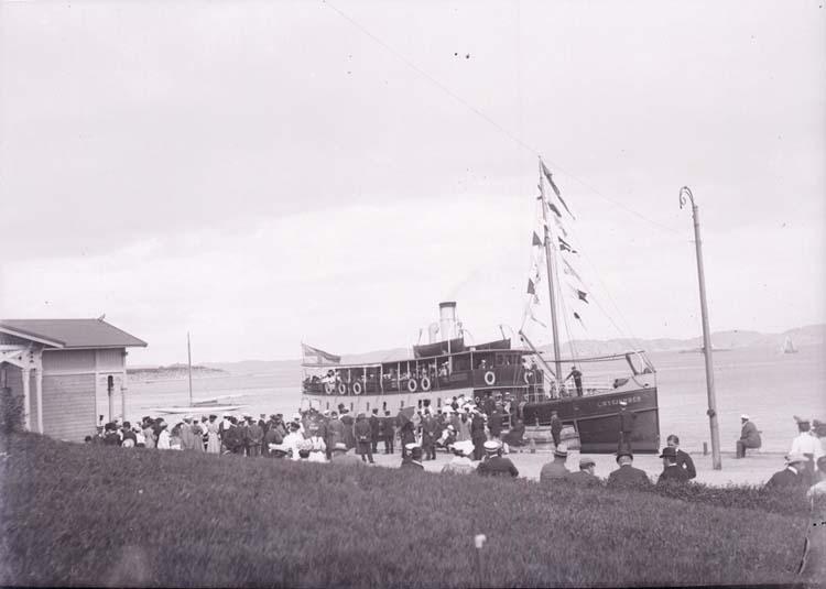 """Enligt text som medföljde bilden: """"Lysekil, """"Byfjorden"""" på utfärd Aug. 07."""""""