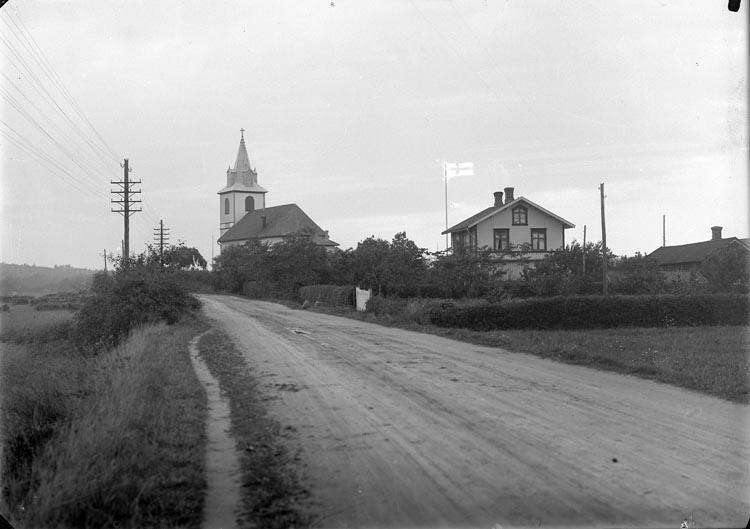 """Enligt fotografens noteringar: """"Håby kyrka omkring 1923."""""""