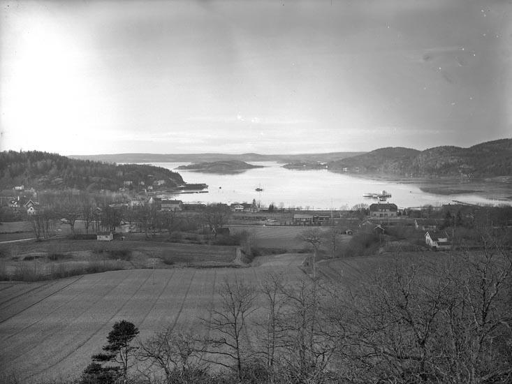 """Enligt fotografens noteringar: """"Taget 1928 Dec. Ljungskile år 1929."""""""